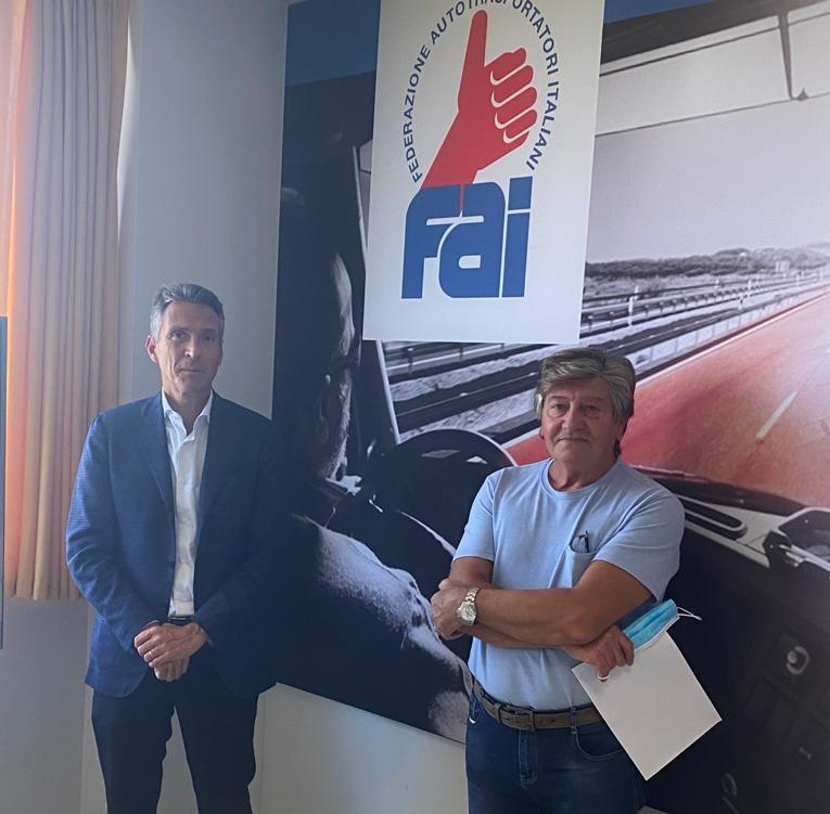 Stefano Casali (FdI) con il Presidente FAI Verona Flavio Galzenati