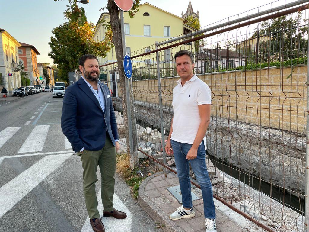 Vittorio Fantozzi, Consigliere regionale di Fratelli d'Italia e Marco Martinelli, capogruppo in Consiglio comunale a Lucca nel sopralluogo al canale Benassai.