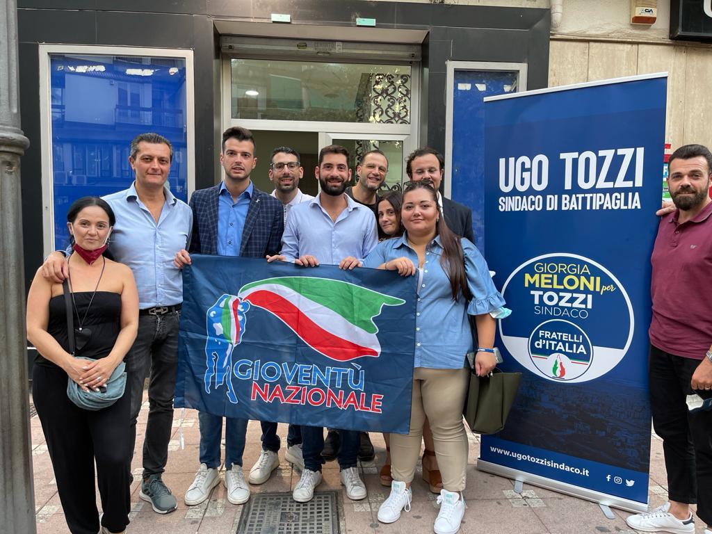 Fabio Roscani, Presidente Nazionale di Gioventù Nazionale durante la visita alla Comunità militante salernitana.