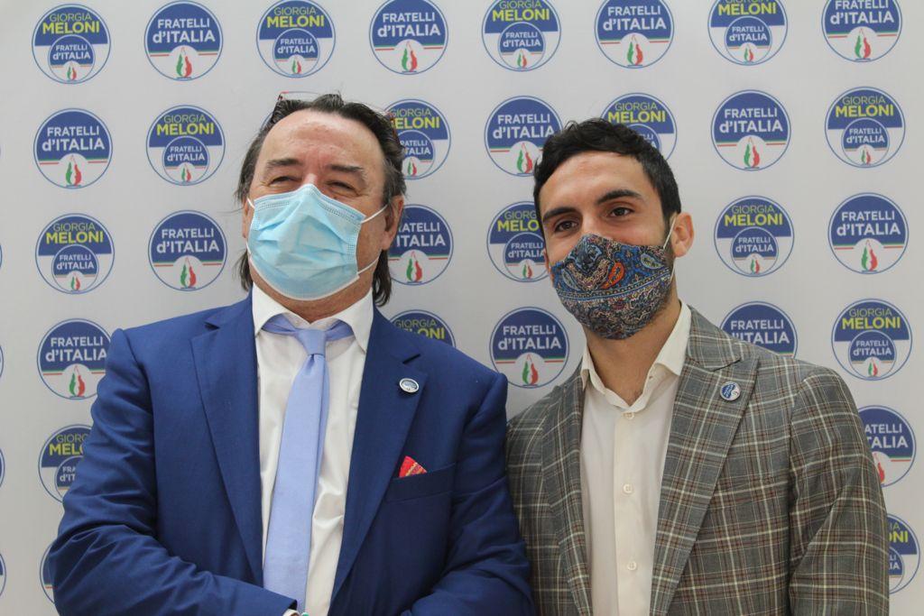 Salvio Zoi, presidente del Circolo di Fratelli d'Italia di Sansepolcro e Giuseppe Carbonaro, candidato della lista di Fratelli d'Italia a sostegno di Laura Chieli.